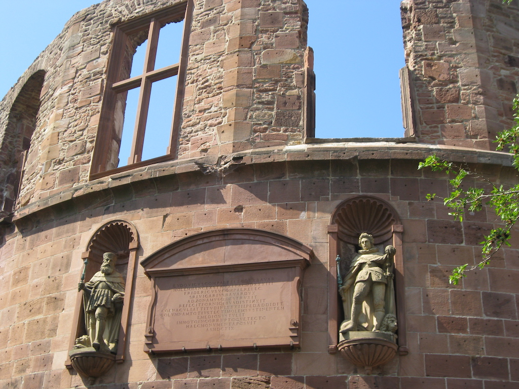 Statues at Heidelberg Castle