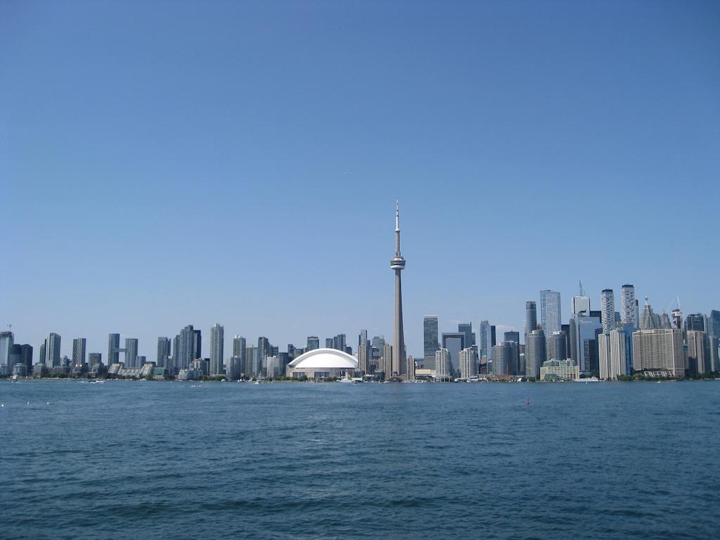 Toronto skyline summer 2019
