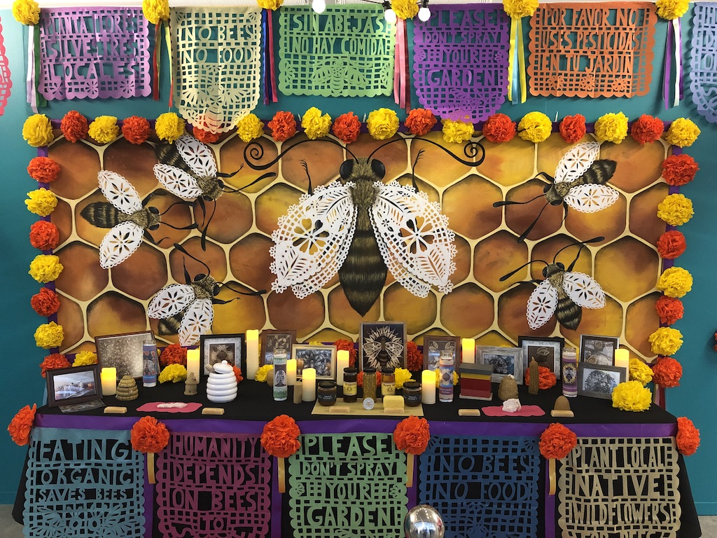 Ofrenda dedicated to the Bees by Jade Leyva