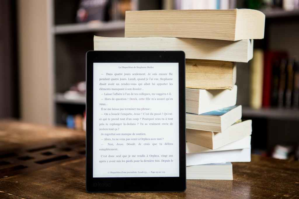 Switching from books to e-books in 2020.