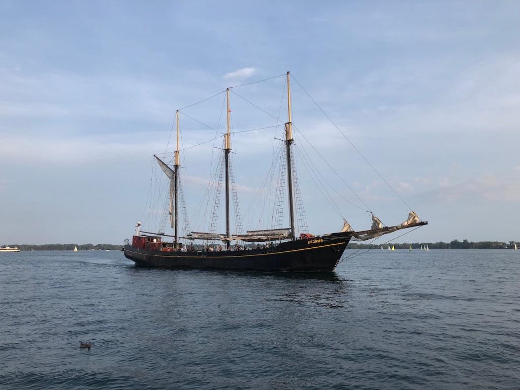 A sunset cruise on the tall ship Kajama.